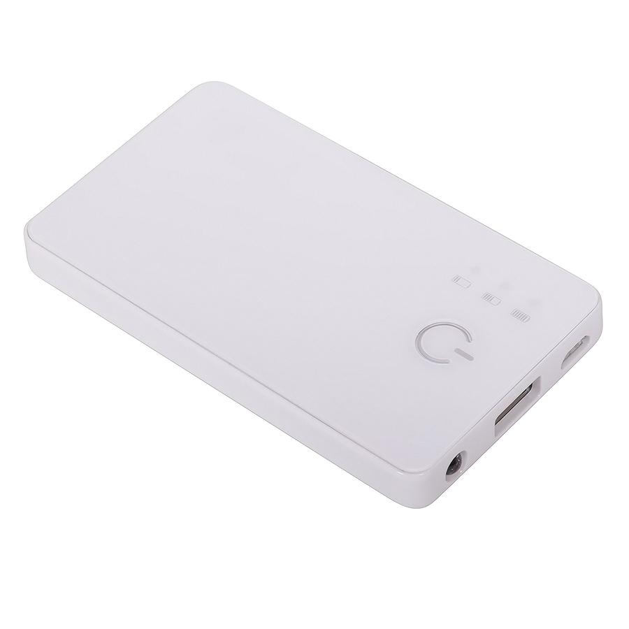 """Универсальное зарядное устройство """"Plain"""" (2800mAh) с фонариком,9,6х5,5х1см,пластик"""